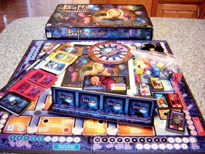 BUFFY VAMPIRE SLAYER BOARD GAME 2000